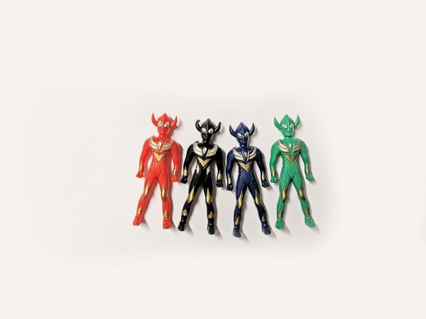 Toy Alien Figures x 4